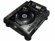 Pioneer CDJ 2000 Pro-Grade Digital DJ Deck